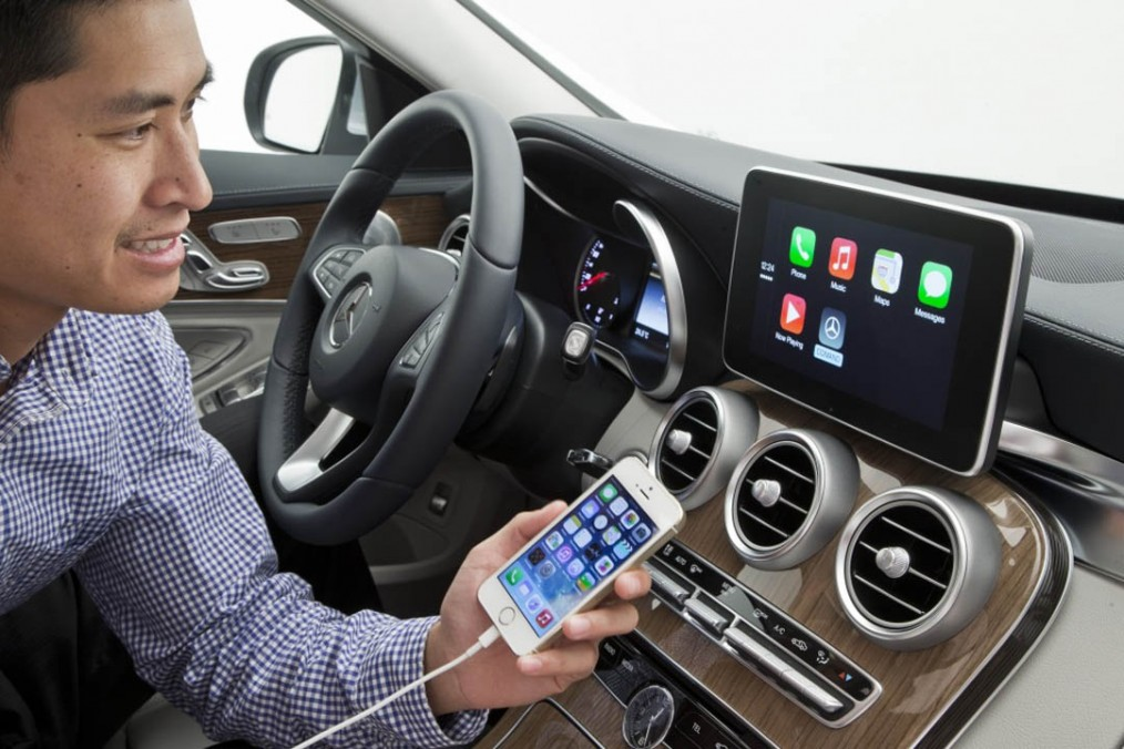 Mercedes CarPlay Apple